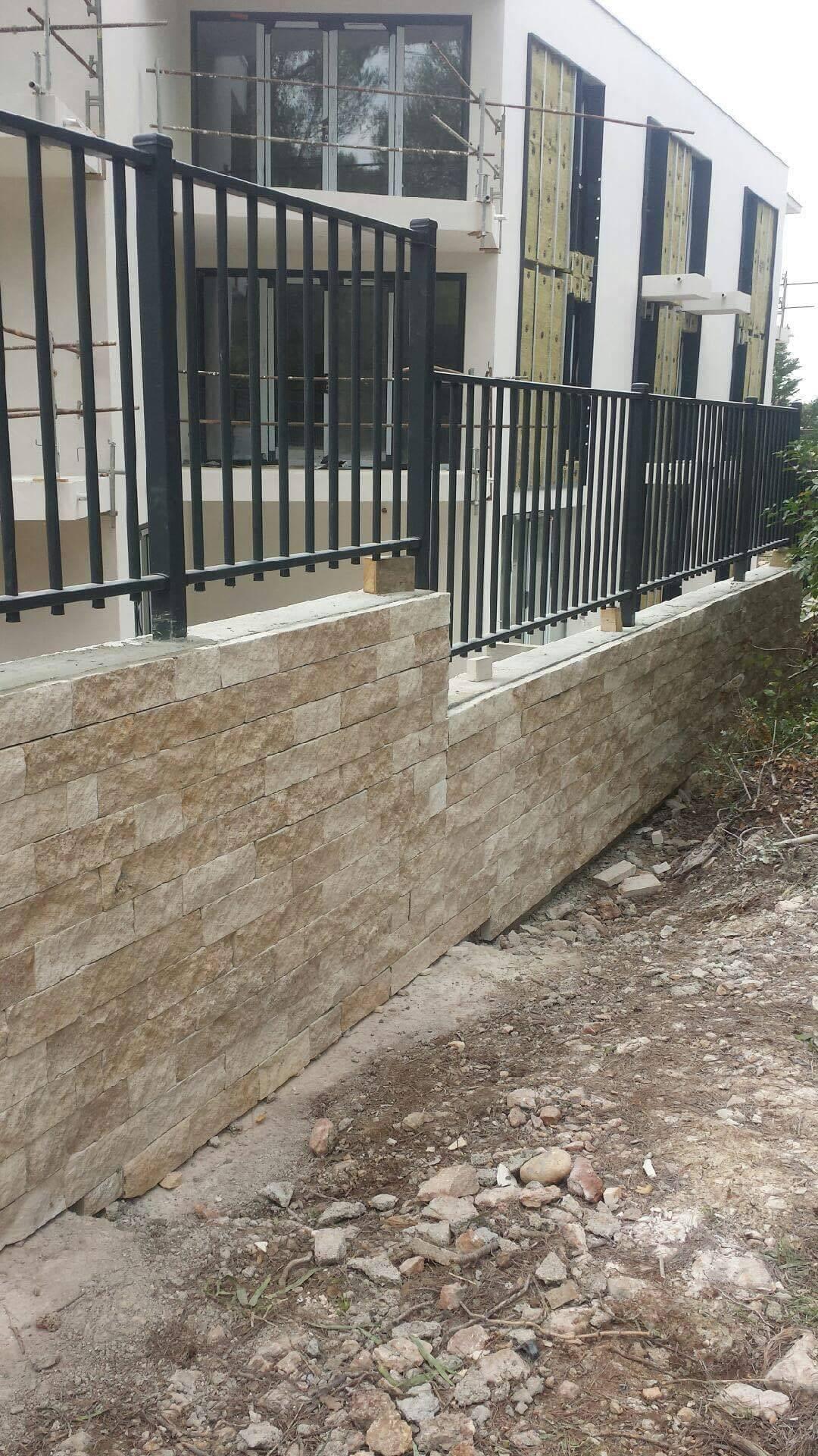 Revetement Mur Exterieur Pierre parement mural, revêtement vertical en pierre naturelle dans