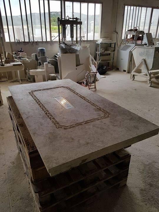 marbrerie et taille de pierre d coration entre montpellier et avignon proche n mes dans le gard. Black Bedroom Furniture Sets. Home Design Ideas