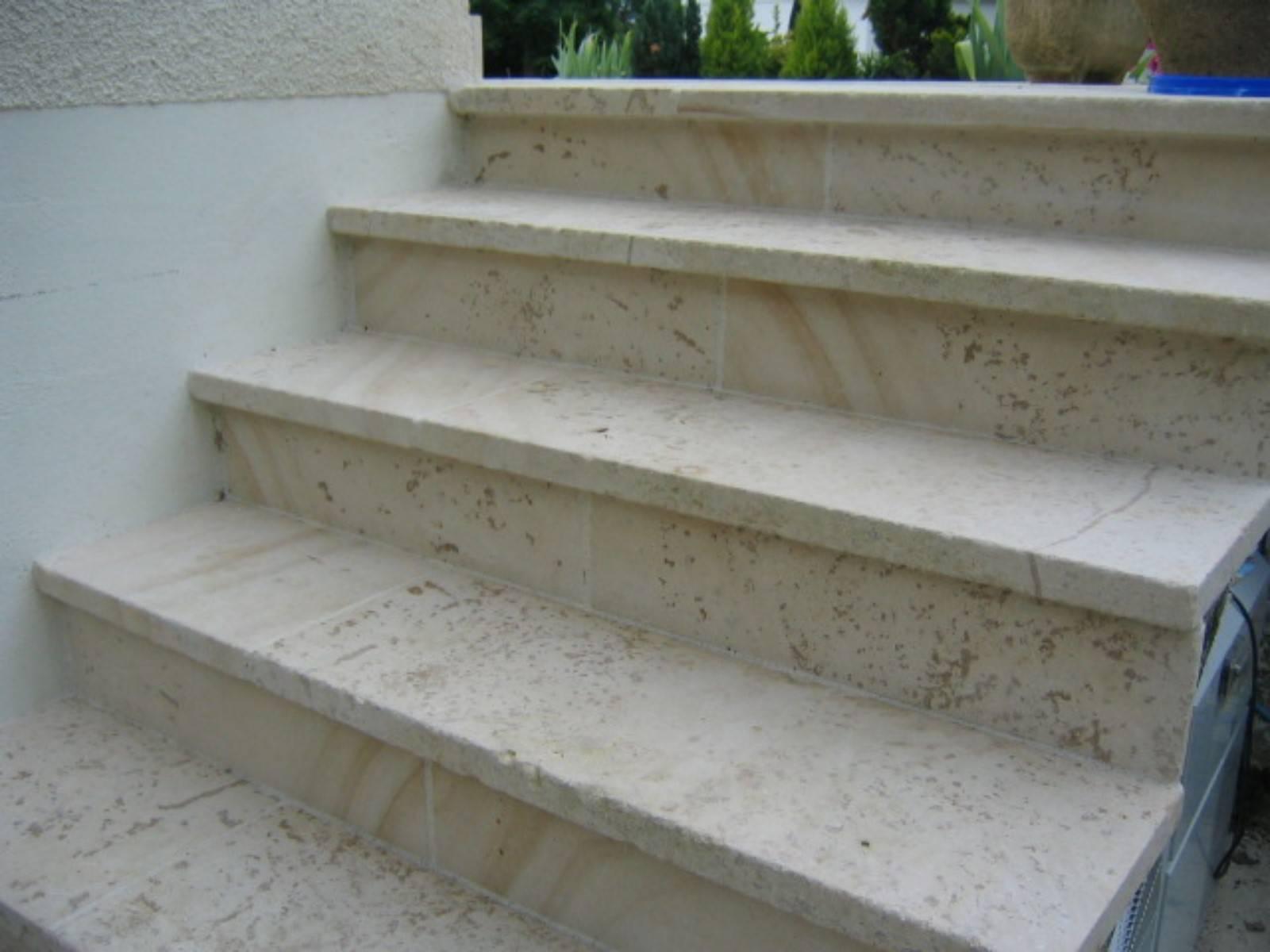 escalier en pierre naturelle avignon vaucluse 84 taille