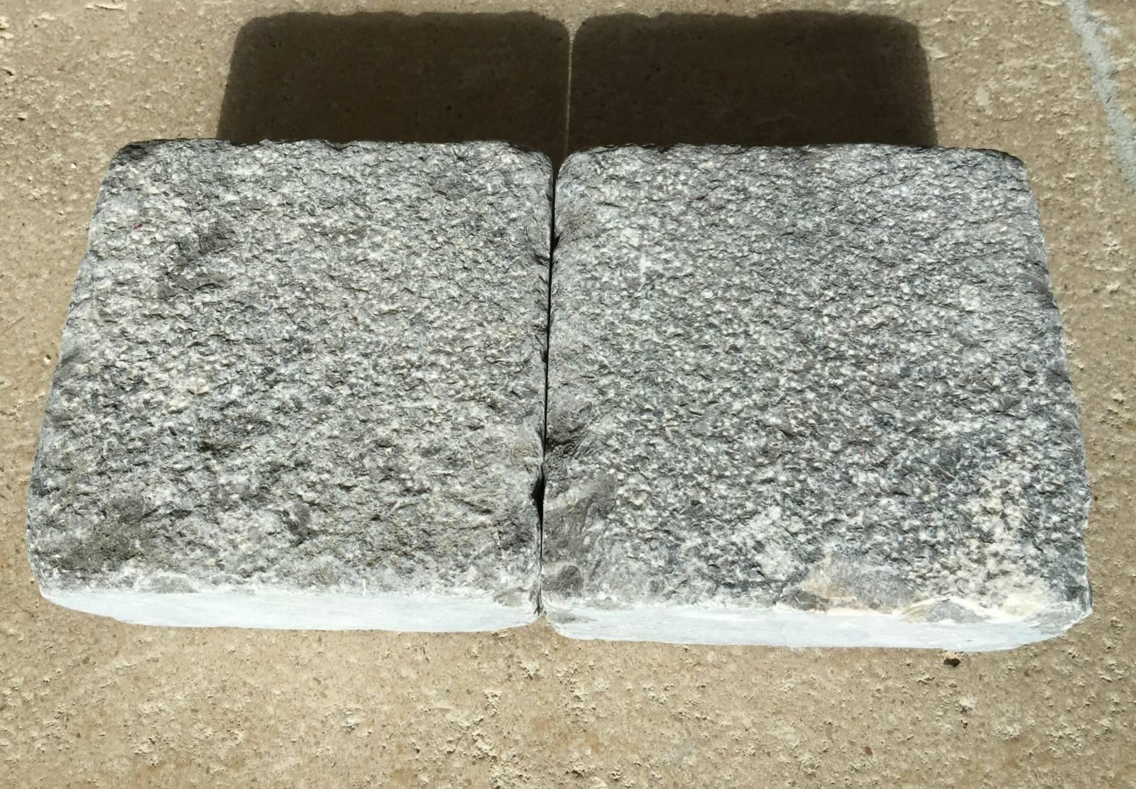 Pavu00e9 gris en pierre naturelle entre Montpellier herault 34 ...