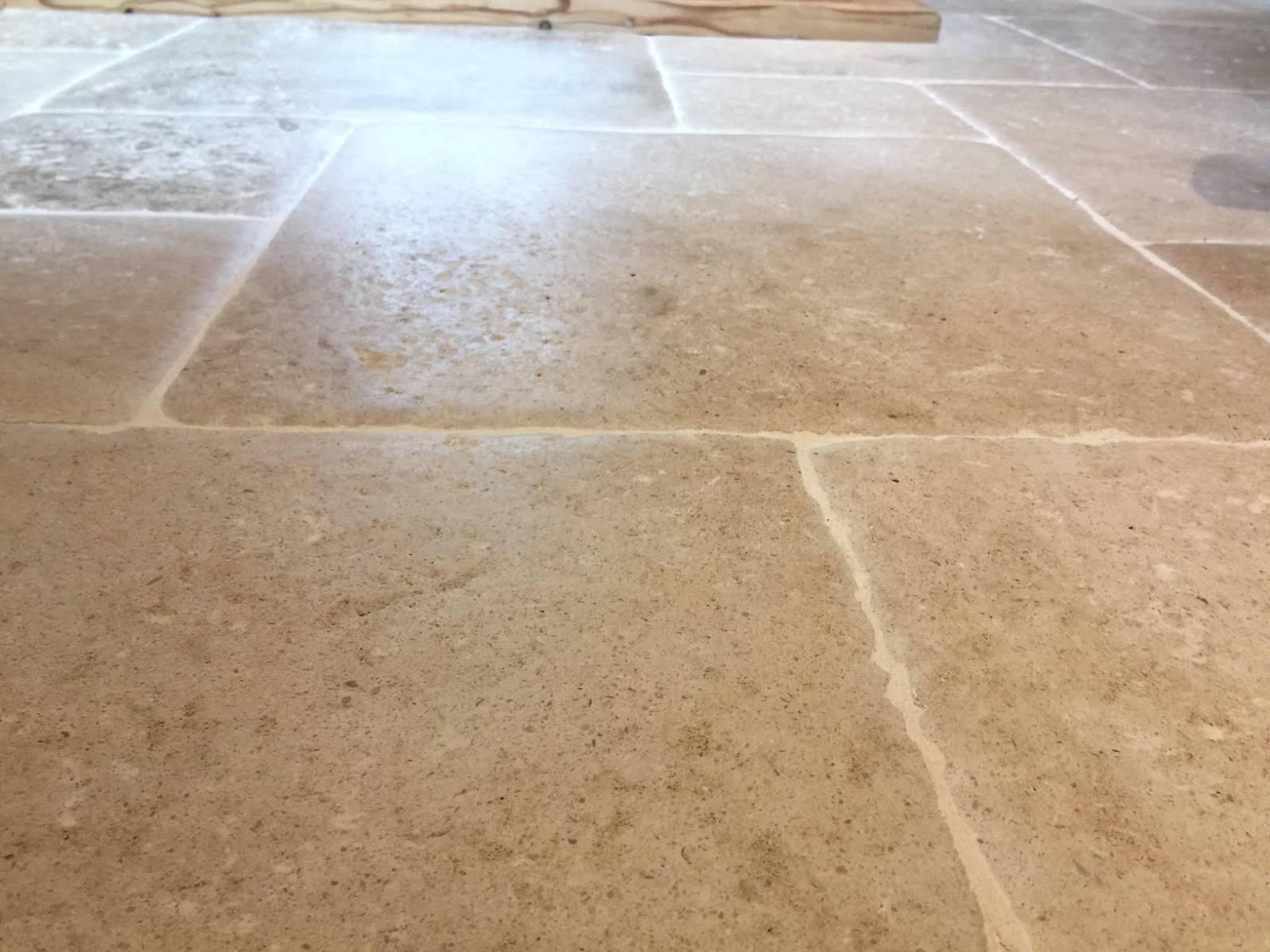 Travertin Maison En Provence : Travertin pierre de bourgogne du perigord à aix