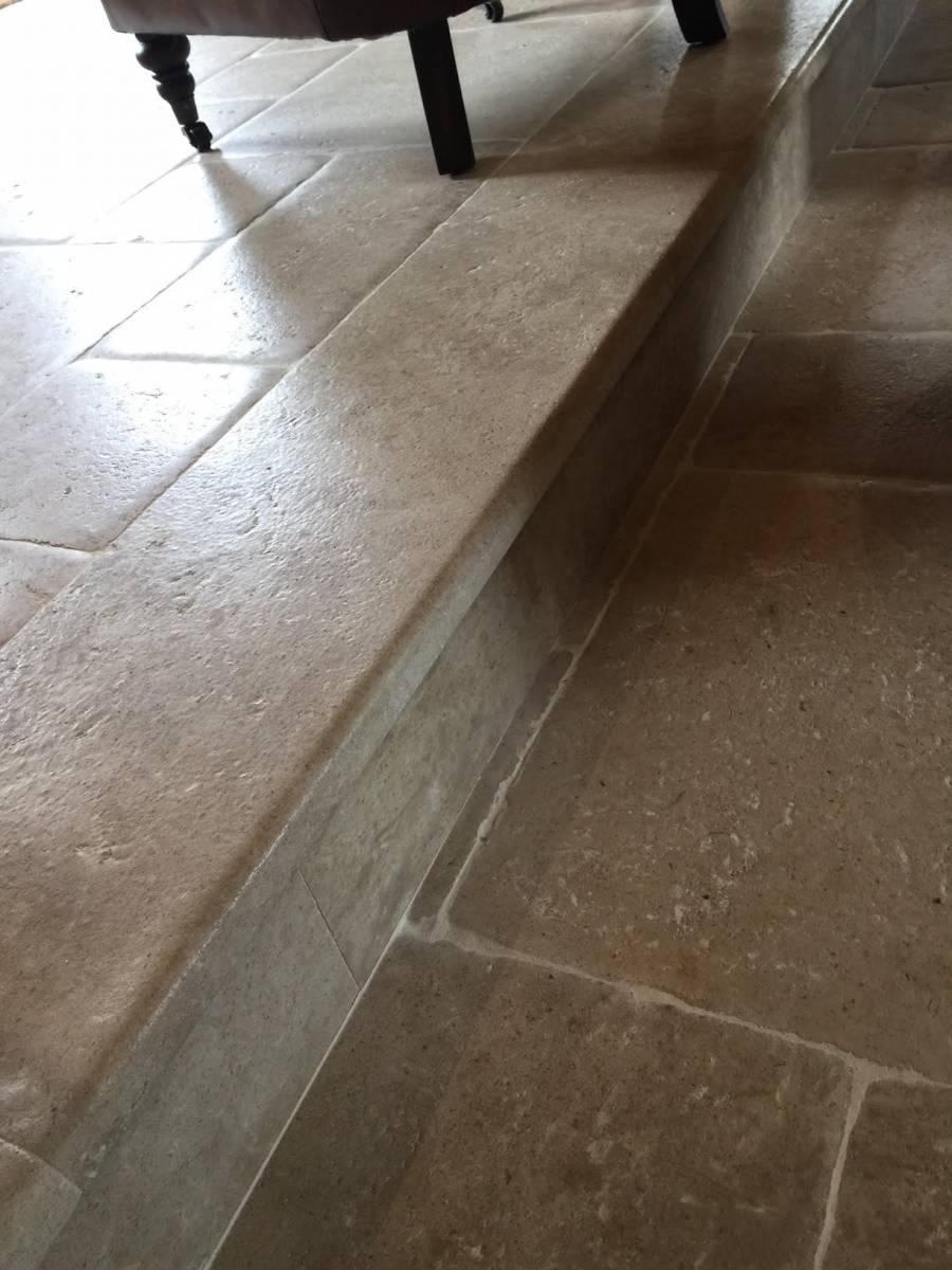 travertin pierre de bourgogne pierre du perigord aix en provence taille et vente de. Black Bedroom Furniture Sets. Home Design Ideas